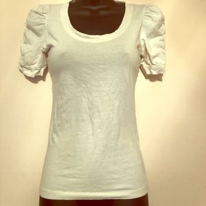 ⭐️⭐️5 for $7⭐️⭐️ White shirt with puffy arms